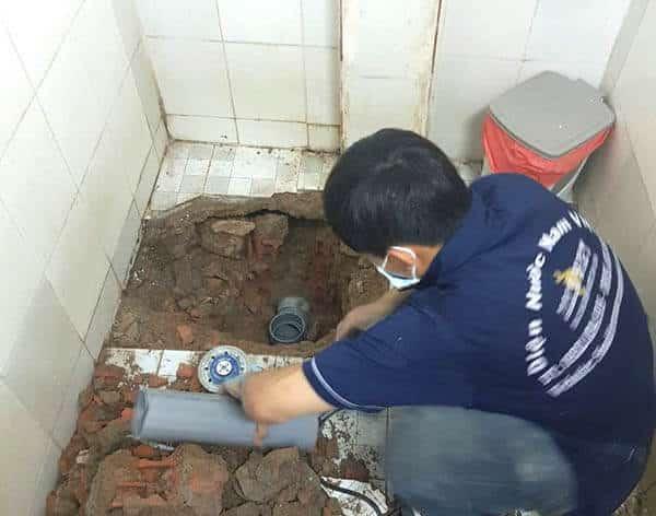 Thợ lắp ống thoát nước