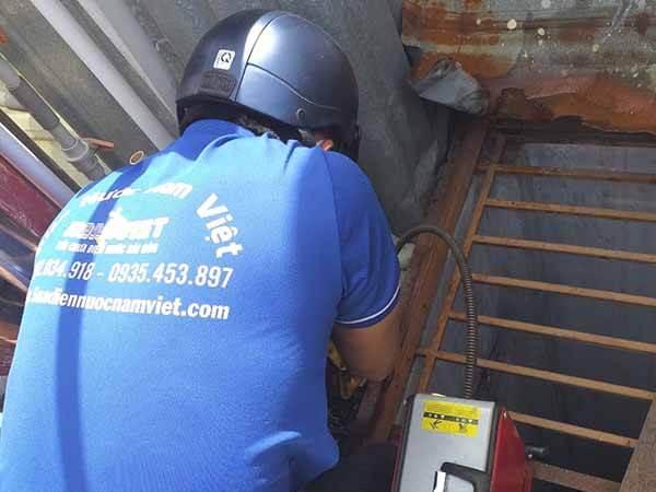 Thông tắc nghẹt đường ống nước mưa